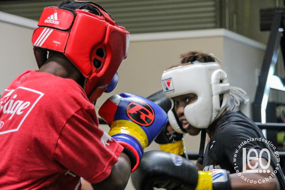 Nicola Adams sparring in previous her second pro-fight. San Carlos, CA, April 29, 2017. Photo: Arte Clandestino, Leo Ceballos.